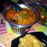 Photo taken at Hasnah Seafood a.k.a Tom Yam Ganja by cik  eijou .. on 8/9/2012
