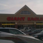 Photo taken at Giant Eagle by Shaun D. on 11/19/2011