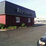 Photo taken at Red Lobster by Roy T. on 5/16/2012