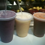 Photo taken at 4 Seasons Smoothies by Mary-Jo M. on 5/28/2011