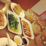 Photo taken at Hongkong Noodle by Pilada L. on 3/12/2012