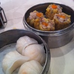 Photo taken at Wong's King Seafood Restaurant by Emily Z. on 9/7/2012