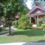 Photo taken at Ruan Rom Mai Bungalow by Tang B. on 11/4/2011