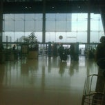 Photo taken at Departures / Check-In Hall by aey kittiwat P. on 1/7/2012