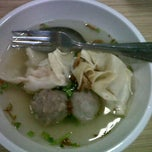 Photo taken at Bakso Bakwan Malang (BBM) OKE by GhynaCh M. on 9/5/2011