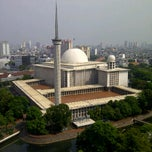 Photo taken at Masjid Istiqlal by Harry P. on 1/6/2012