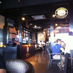 Photo taken at OldTown White Coffee by mrspade85 on 4/2/2011