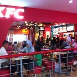 Photo taken at KFC by Tamtomo  Daniswara |. on 7/4/2011