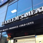 Photo taken at Harlem's Meat by Fidan on 8/29/2012
