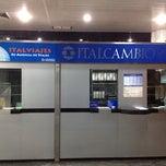 Photo taken at Italcambio Casa de Cambio (Aeropuerto Puerto Ordaz) by Daniel Pronio . on 5/21/2012