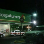 Photo taken at Bodega AURRERA by Fernando B. on 9/27/2011