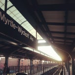 Photo taken at MTA Subway - Myrtle/Wyckoff Ave (L/M) by Jose L. on 8/27/2012