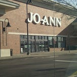 Photo taken at Jo-Ann Fabric and Craft by Chai F. on 11/16/2011