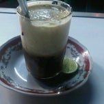Photo taken at Da nal cafe by abenk h. on 12/17/2011