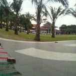 Photo taken at Alun Alun Kota Madiun by Arfiya on 1/3/2012