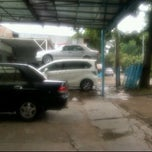 Photo taken at Masudah motor by syarif hakim s. on 1/9/2012