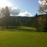 Photo taken at McKenzie River Golf Course by Lon D. on 5/29/2011