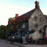Photo taken at Bankes Arms by luckow on 8/20/2011