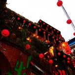Photo taken at 九份老街 Jiufen Old Street by Kueihua G. on 11/12/2011