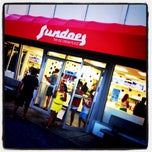 Photo taken at Sundaes The Ice Cream Place by Domenick Raymond on 7/16/2011