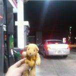 Das Foto wurde bei 76 Gas Station von Hana K. am 10/20/2011 aufgenommen