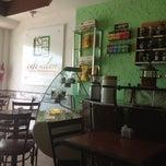 Photo taken at Café En Clave by Sibelius A. on 4/21/2012
