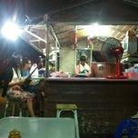 Photo taken at ร้านกุ๊กกิ๊ก อาหารตามสั่ง by Sahawat P. on 4/27/2012