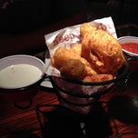 Photo taken at Red Robin Gourmet Burgers by Whit on 7/28/2012