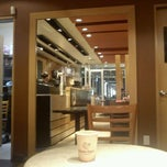 Photo taken at Gloria Jean's Coffees by Mlle É. on 3/12/2012