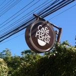 Photo taken at Café do Porto by Tobias P. on 3/28/2012