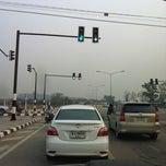 Photo taken at ไฟแดงแยกกุลพันธ์วิลล์ by Piluk P. on 3/21/2012