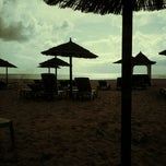 Photo taken at Melia Tortuga Beach by Vanni B. on 9/4/2012