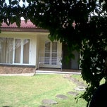Photo taken at Villa bukit trawas by Moch G. on 7/1/2012