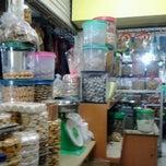 Photo taken at Pasar Klender by Harry N. on 8/8/2012