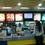 Photo taken at Jollibee Drive Thru  Carmen by Huggie P. on 5/17/2012