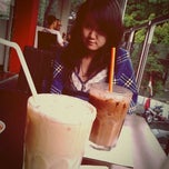 Photo taken at Coffee Cabin by Paulus S. on 8/25/2012