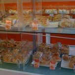 Photo taken at Laritta Bakery Shop by Wuryanano™ on 5/15/2012