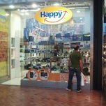 Photo taken at Happy Imports by Mário Cezar S. on 3/23/2012