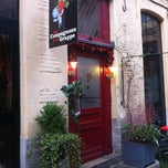 Photo taken at Les Compagnons De La Grappe by La Brigade D. on 2/29/2012