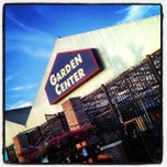Photo taken at Lowe's Home Improvement by Hector A. on 6/21/2012