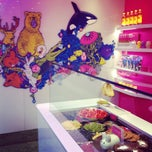 Photo taken at Snog Pure Frozen Yogurt by Sheryl on 5/7/2012