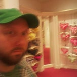 Photo taken at Victoria's Secret PINK by Ray F. on 3/2/2012