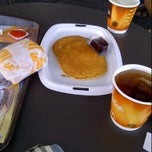 Photo taken at McDonald's / McCafé by Julike E. on 2/10/2012