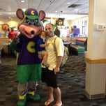 Photo taken at Chuck E. Cheese's by Jonathon I. on 6/24/2012