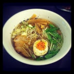 Photo taken at 牛骨ラーメン 香味徳 by Yu-syo I. on 9/7/2012