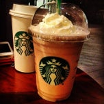 Photo taken at Starbucks Coffee 星巴克咖啡 by Bofan F. on 5/25/2012