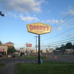 Photo taken at Denny's by Raul S. on 5/6/2012