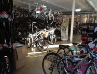 Cover Photo for Erin J's map collection, Bike shops