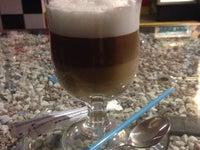 кафе V12