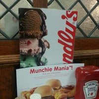Photo taken at Friendly's by Tomika B. on 9/9/2012